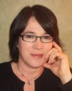 Sara Davison - headshot 1